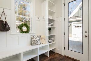 Как да обзаведем малък дом
