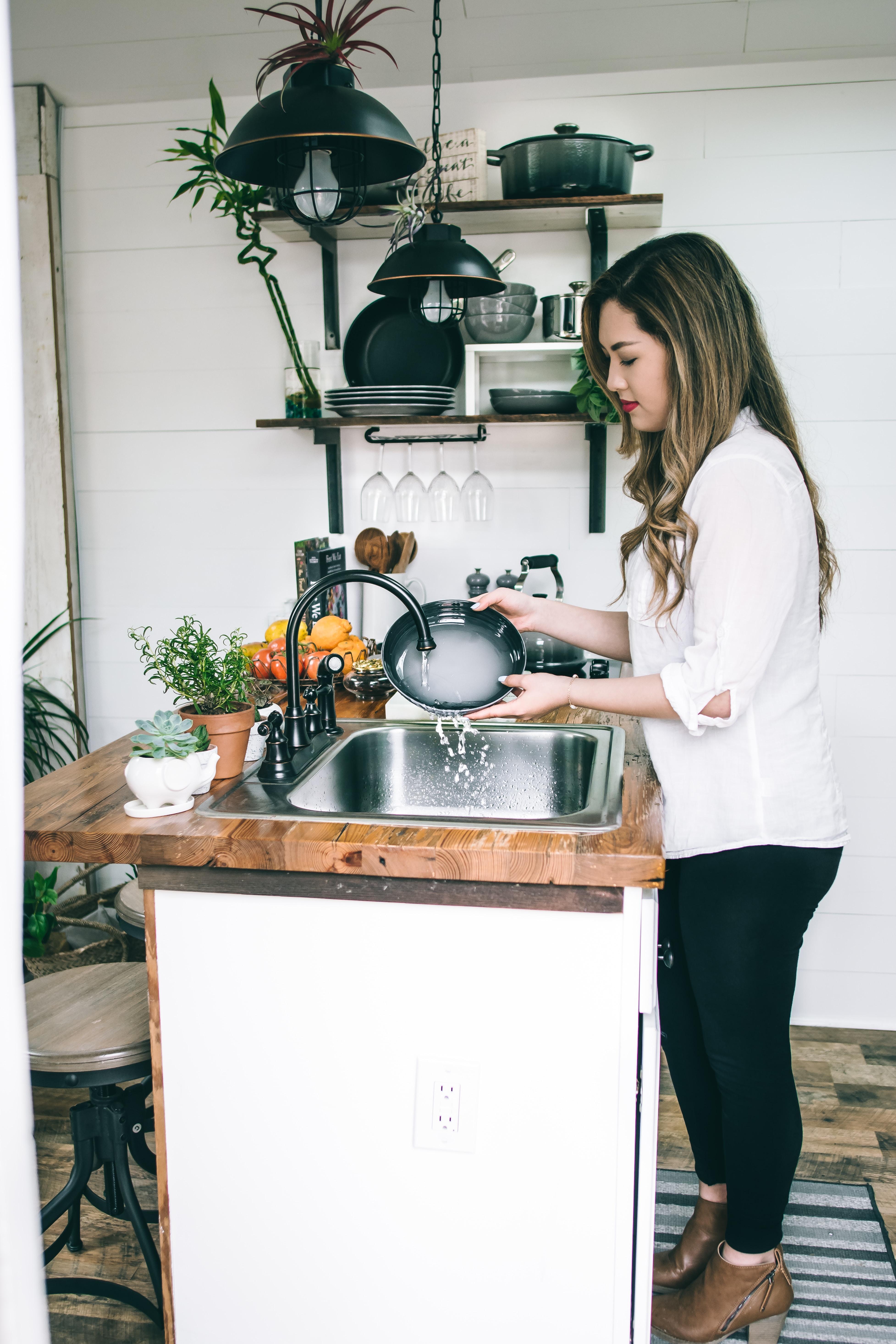 6 начина да миете съдове, без да вредите на здравето си